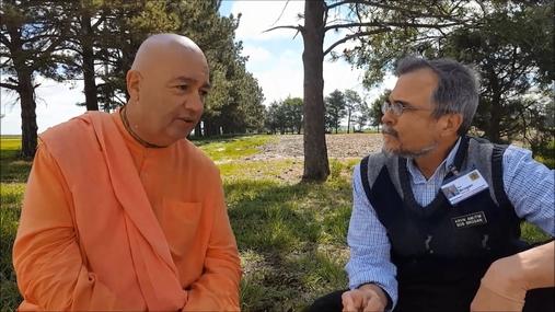 Walking monk reaches Lexington on journey to San Francisco