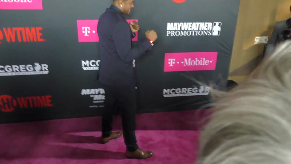 Pooch Hall arriving to the VIP Pre-Fight Party Arrivals on the T-Mobile Magenta Carpet For 'Mayweather VS McGregor at TMobile Arena in Las Vegas.mp4
