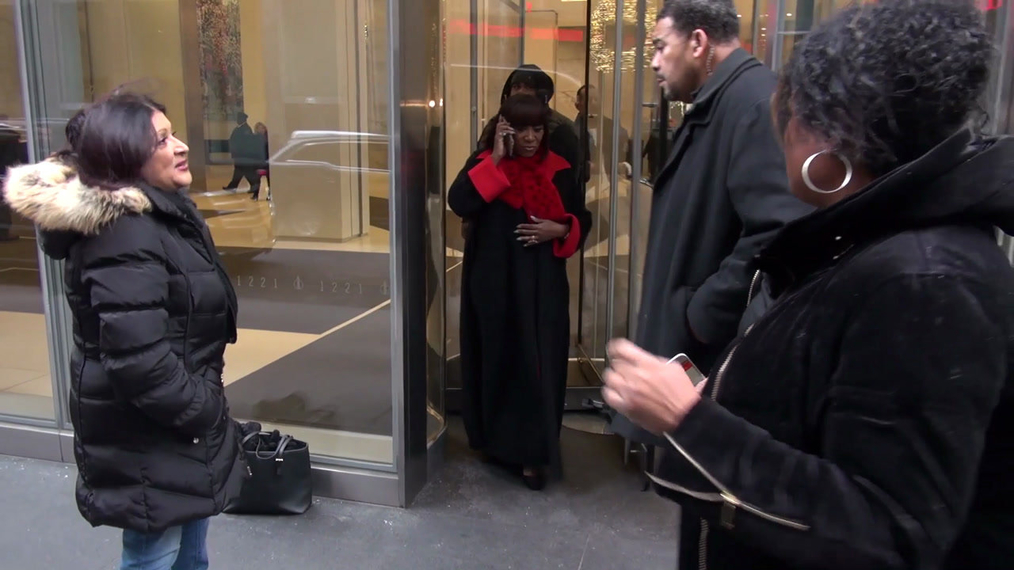 Patti LaBelle leaving SiriusXM Satellite Radio in New York.mp4