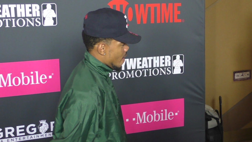 Chance The Rapper arriving to the VIP Pre-Fight Party Arrivals on the T-Mobile Magenta Carpet For 'Mayweather VS McGregor at TMobile Arena in Las Vegas.mp4