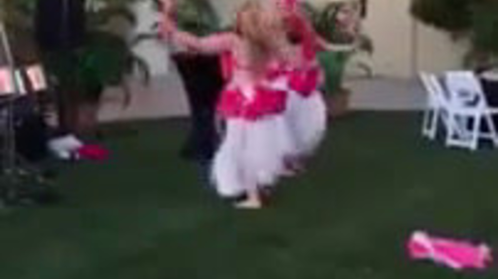 Hula Dancer J.H..mp4