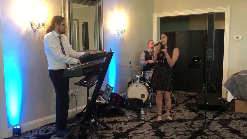 813 Live Trio (1)