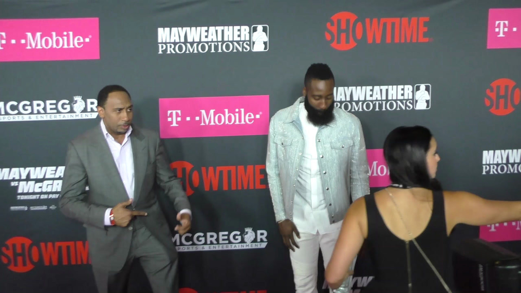 James Harden and Stephen A. Smith arriving to the VIP Pre-Fight Party Arrivals on the T-Mobile Magenta Carpet For 'Mayweather VS McGregor at TMobile Arena in Las Vegas.mp4