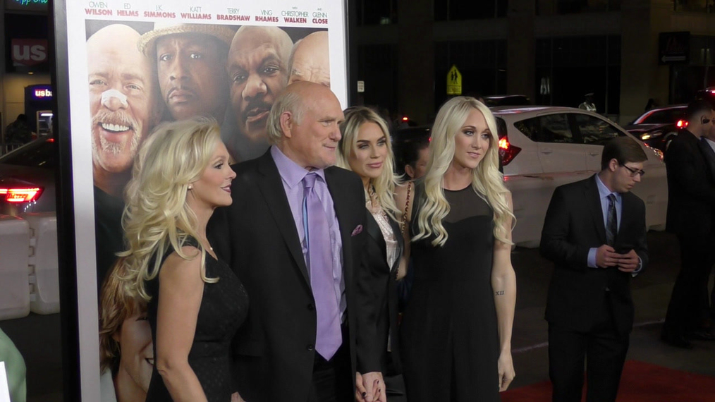Terry Bradshaw at the premiere of Father Figures at TCL Chinese Theatre in Hollywood.mp4