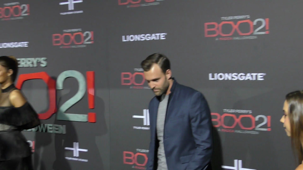 Robby Hayes at the Tyler Perry's Boo 2! A Madea Halloween Premiere at Regal LA Live Theatre in Los Angeles.mp4