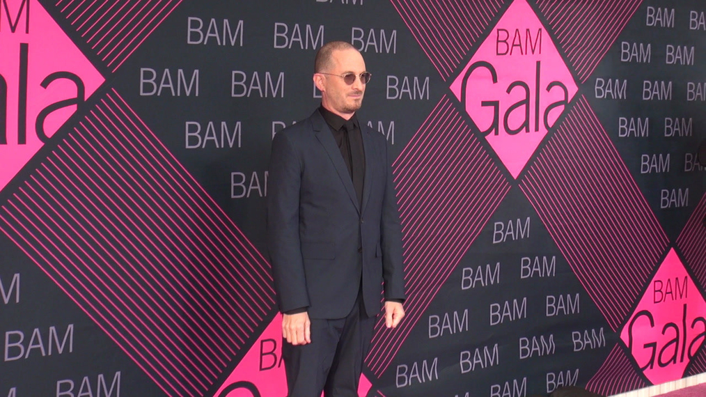 Darren Aronofsky attends the BAM Gala 2018 at Brooklyn Cruise Terminal in New York.mp4