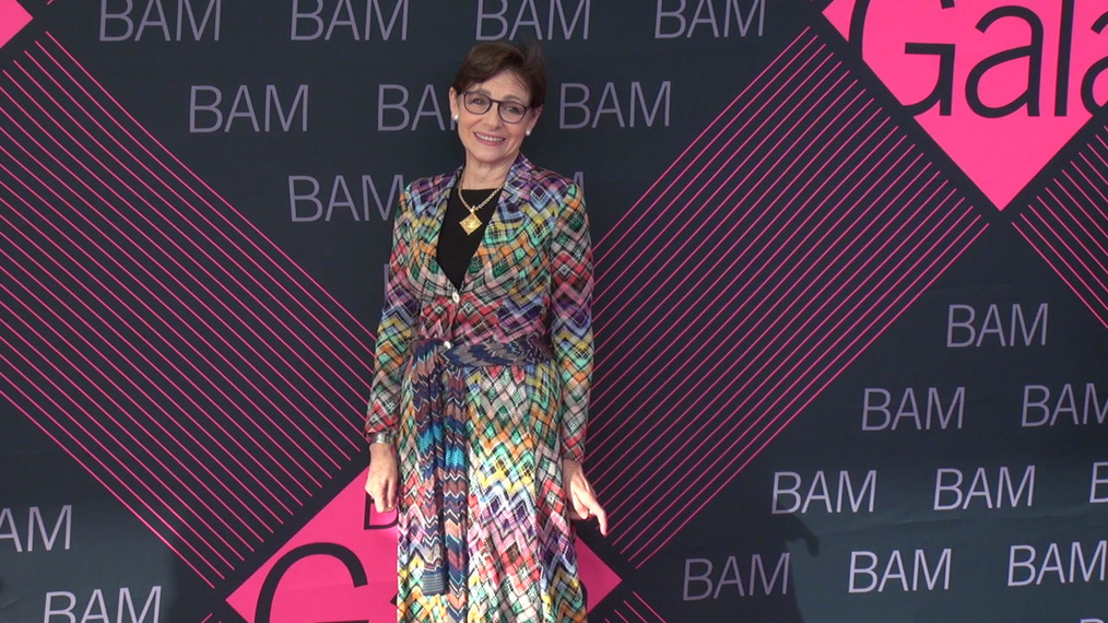 Joan Juliet Buck attends the BAM Gala 2018 at Brooklyn Cruise Terminal in New York.mp4