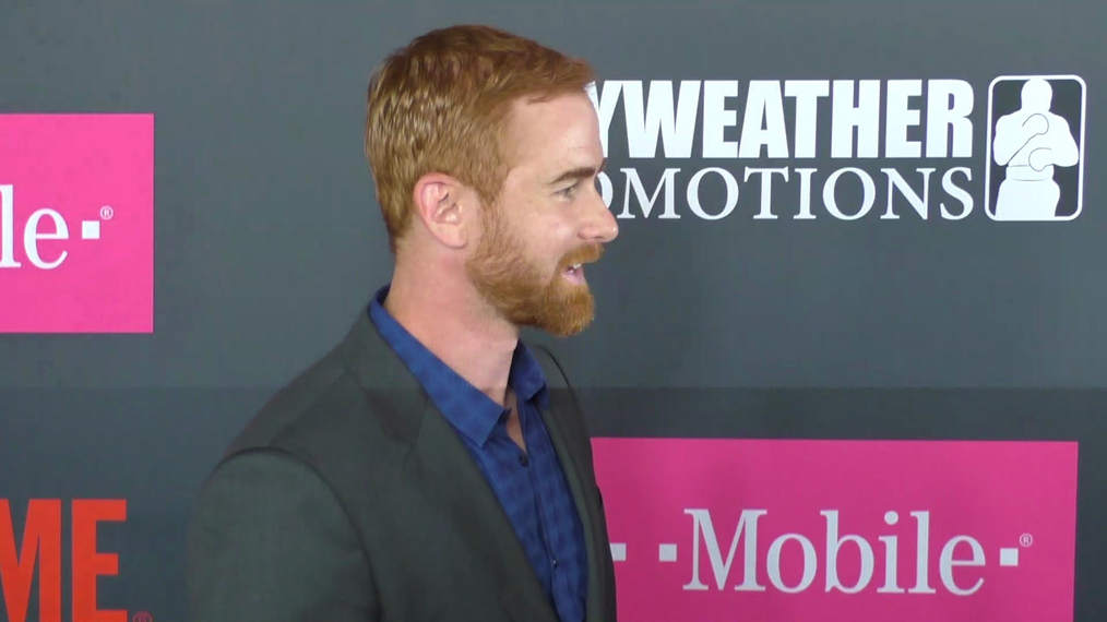 Andrew Santino arriving to the VIP Pre-Fight Party Arrivals on the T-Mobile Magenta Carpet For 'Mayweather VS McGregor at TMobile Arena in Las Vegas.mp4