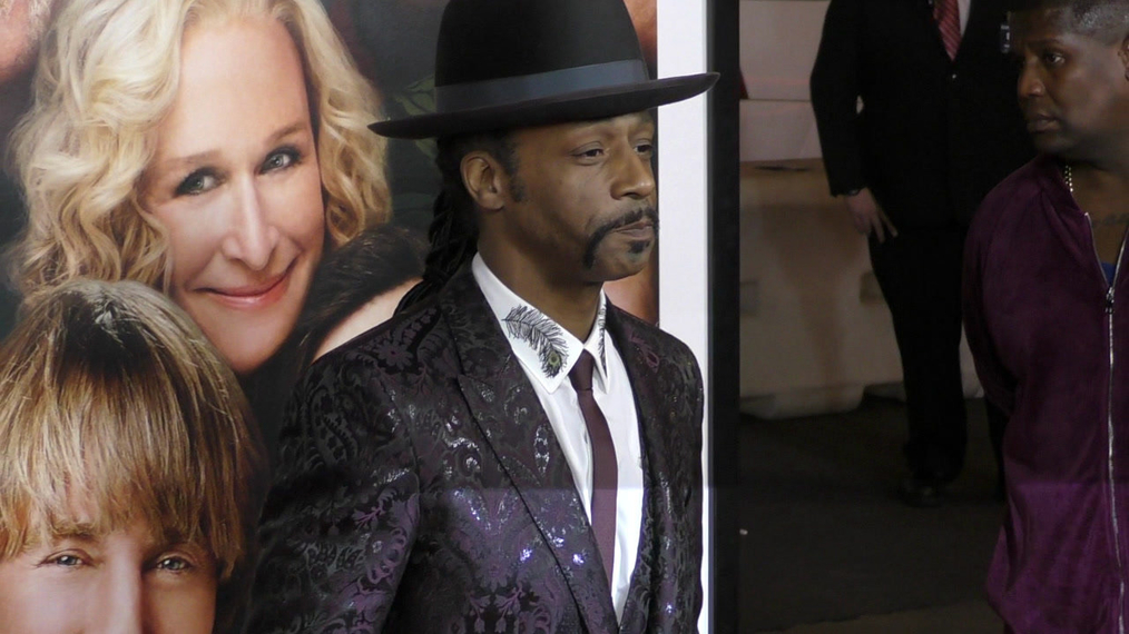 Katt Williams at the premiere of Father Figures at TCL Chinese Theatre in Hollywood.mp4