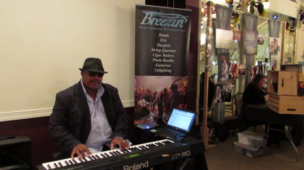 Pianist W.L.