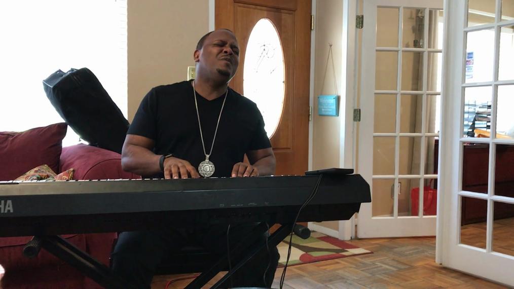 Pianist D.M