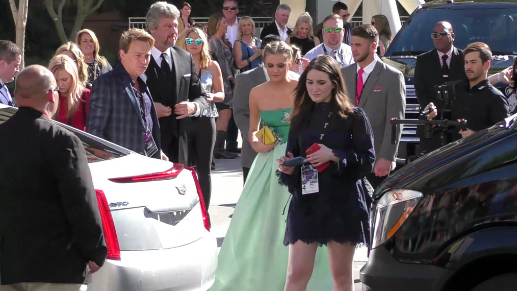 Kelsea Ballerini arriving to the 52nd Academy Of Country Music Awards at T-Mobile Arena in Las Vegas.mp4