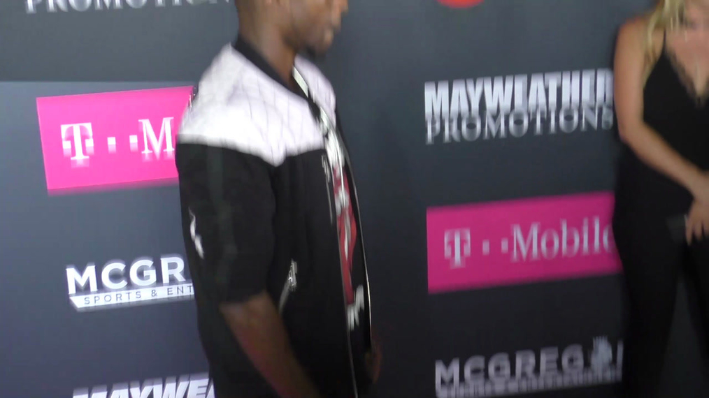 Jay Pharoah arriving to the VIP Pre-Fight Party Arrivals on the T-Mobile Magenta Carpet For 'Mayweather VS McGregor at TMobile Arena in Las Vegas.mp4