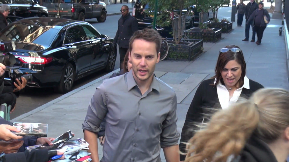 Taylor Kitsch outside the BUILD Series in New York.mp4