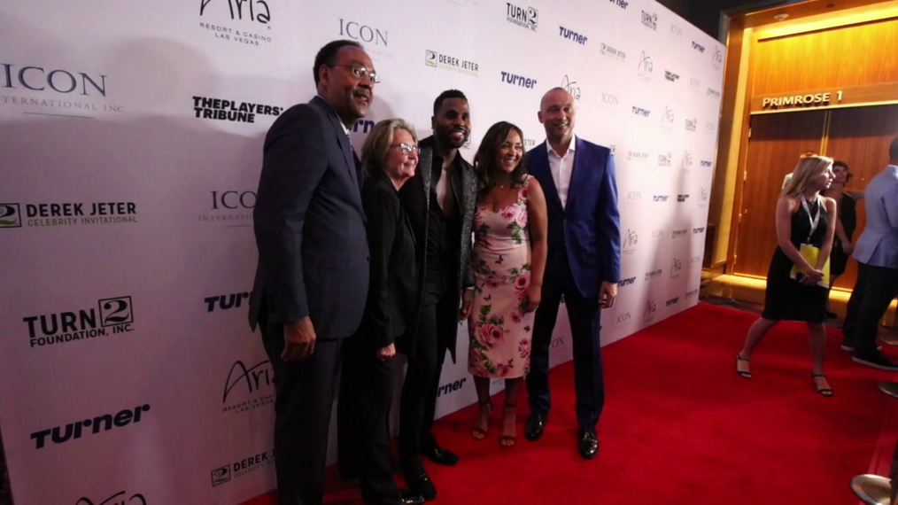Jason Derulo and Derek Jeter attend the 2018 Derek Jeter Celebrity Invitational Gala at the Aria Resort & Casino in Las Vegas.mp4