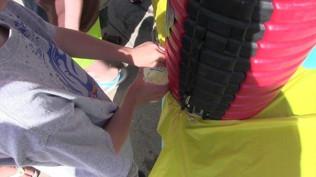 Lemonade Stand Benefits Neighbor With Breast Cancer