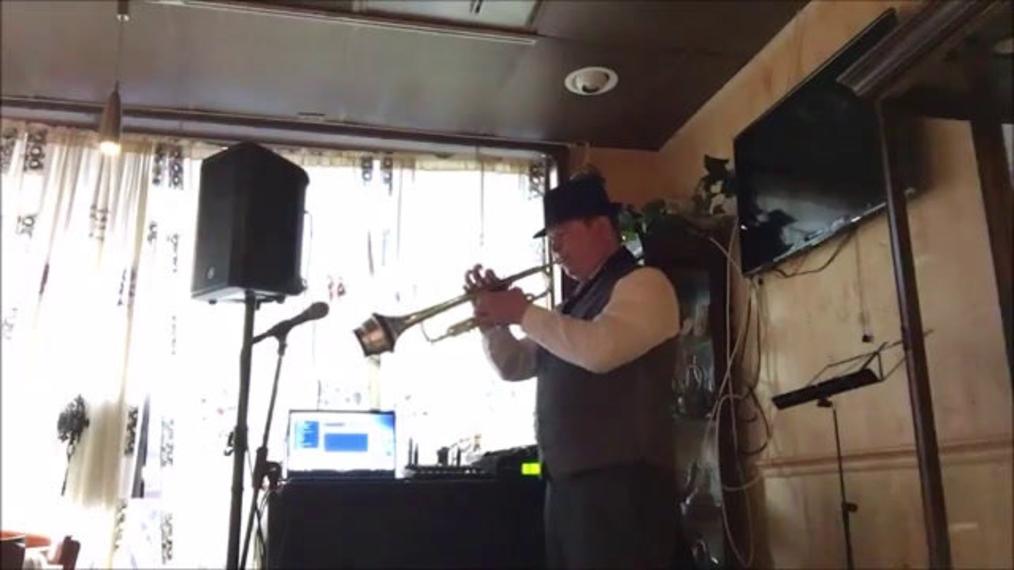 Trumpet & Sax A.M..mp4