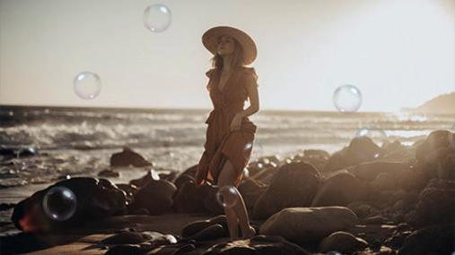 Bubbles at the coast