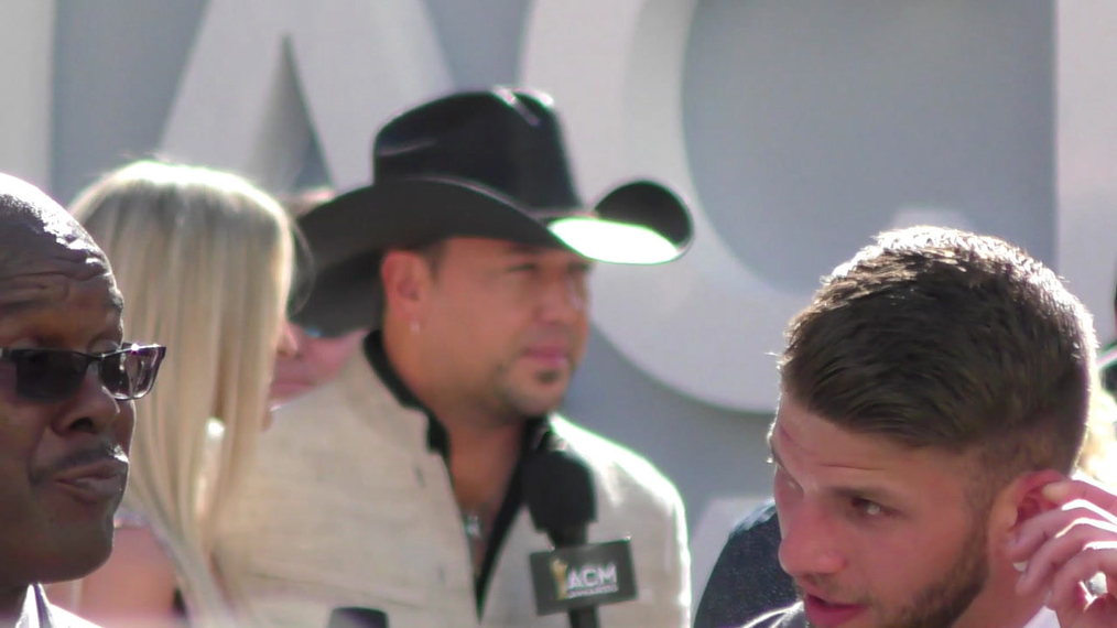 Jason Aldean arriving to the 52nd Academy Of Country Music Awards at T-Mobile Arena in Las Vegas.mp4