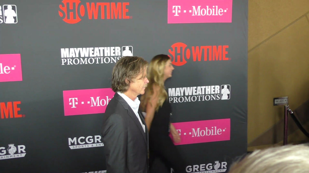 William H. Macy arriving to the VIP Pre-Fight Party Arrivals on the T-Mobile Magenta Carpet For 'Mayweather VS McGregor at TMobile Arena in Las Vegas.mp4