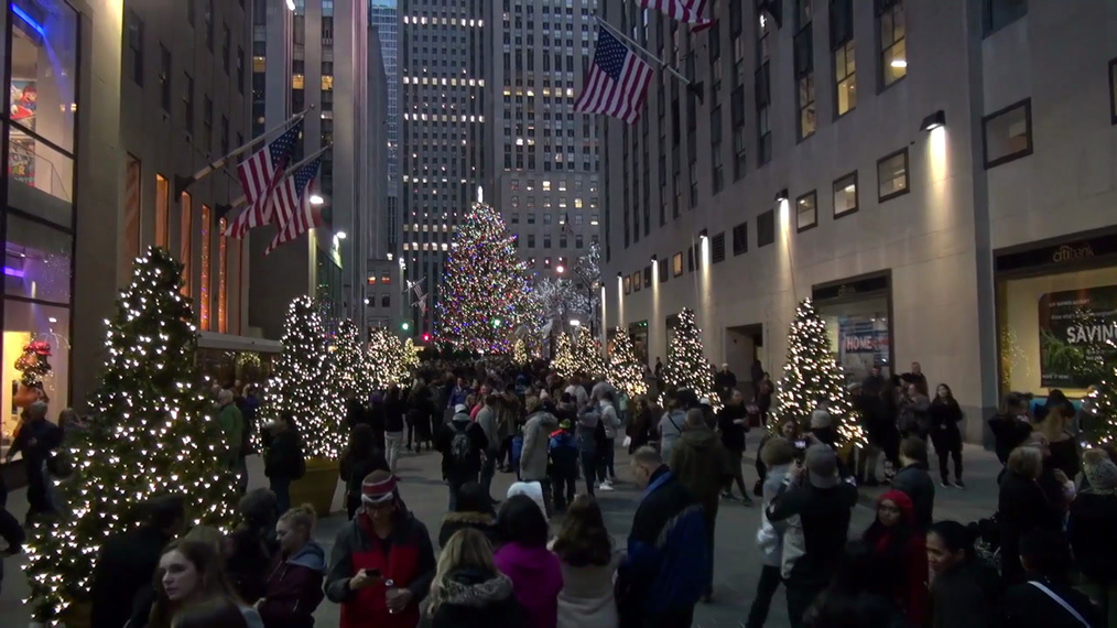 Rockefeller Center Christmas 2017 Tree in New York.mp4