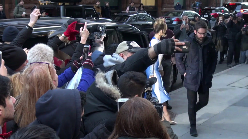 Rita Ora poses with fans outside BUILD Series in New York City.mp4