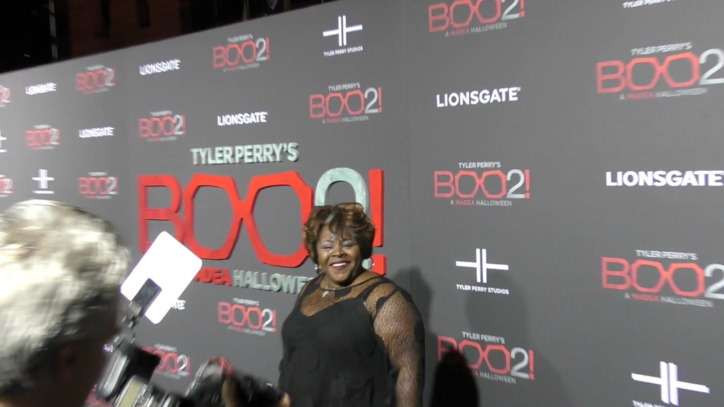 Cassi Davis at the Tyler Perry's Boo 2! A Madea Halloween Premiere at Regal LA Live Theatre in Los Angeles.mp4