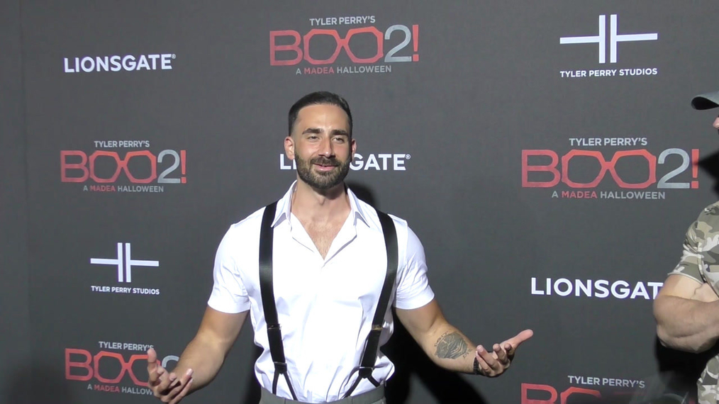 Mike Tornabene at the Tyler Perry's Boo 2! A Madea Halloween Premiere at Regal LA Live Theatre in Los Angeles.mp4
