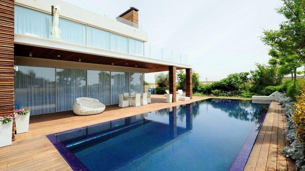 Extraordinary Modern Seafront Villa in Israel