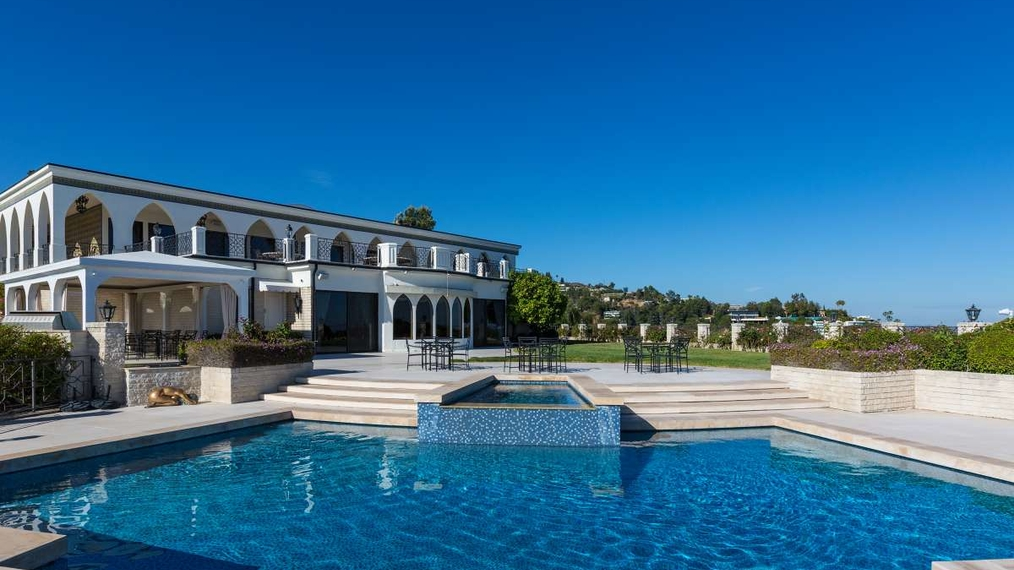 1187 North Hillcrest Rd, Beverly Hills, CA