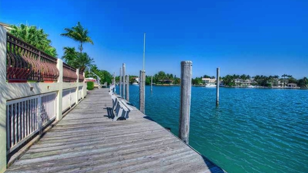 28 Harbor Point Dr, Key Biscayne, FL