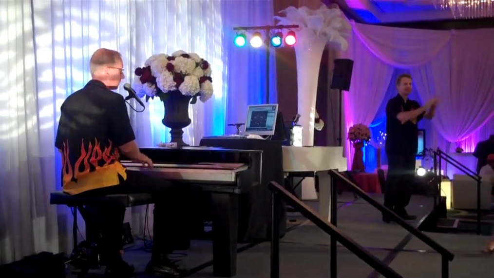 Dueling Pianos at Bridal Show July 2011.mp4