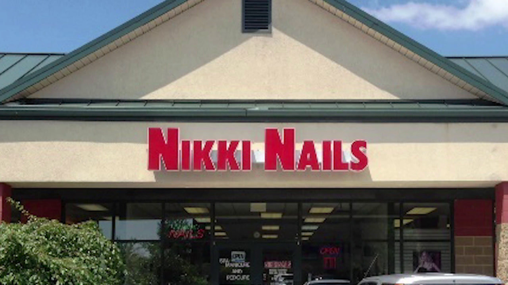 Nails in Bloomington IN, Nikki Nail