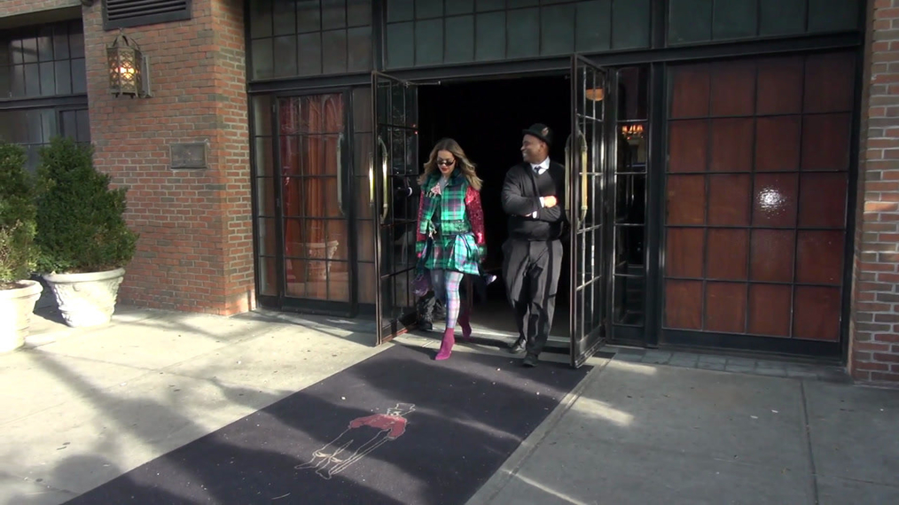 Rita Ora leaving her hotel in New York.mp4