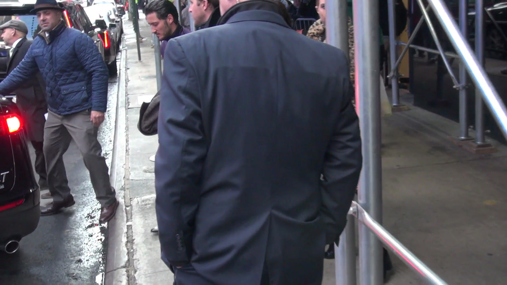 Val Chmerkovskiy leaves Good Morning America show in New York City.mp4