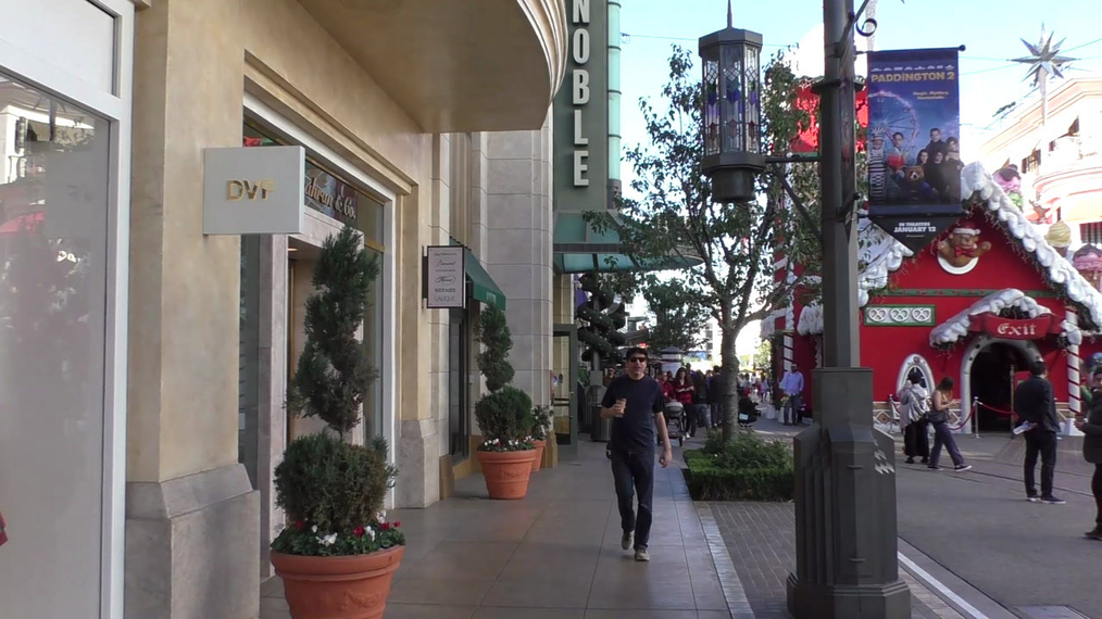Fred Stoller talks about what he does for Christmas while shopping at The Grove in Hollywood.mp4