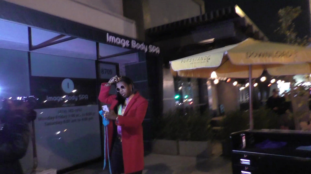 Trinidad James arrives at Peppermint Club in West Hollywood.mp4
