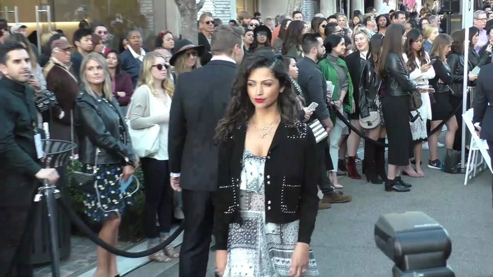 Camila Alves at the Rebecca Minkkoff's See Now, Buy Now Fashion Show at The Grove in Hollywood.mp4