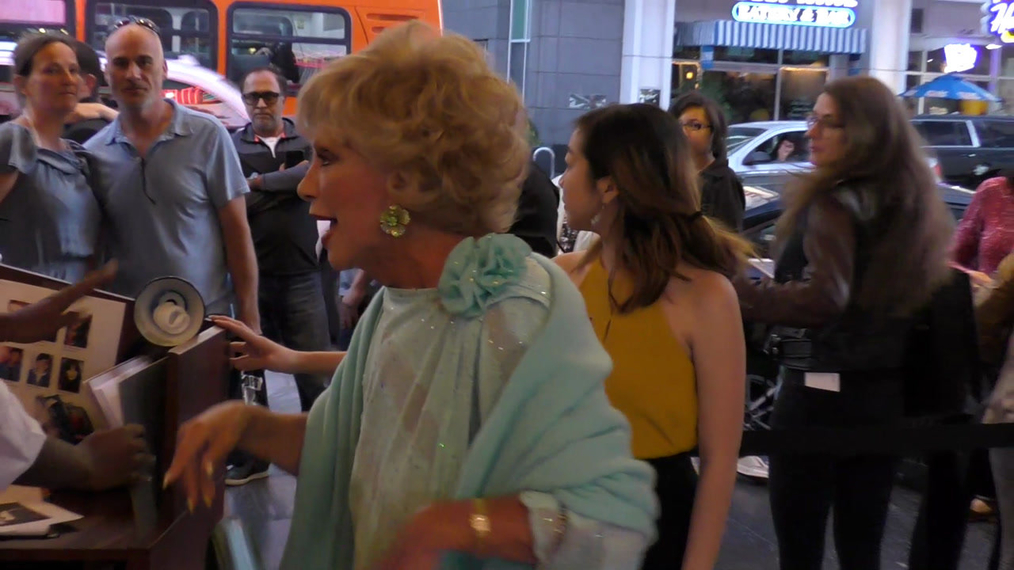 Ruta Lee attends the Los Angeles Premiere Of School Of Rock The Musical at Pantages Theatre in Hollywood.mp4