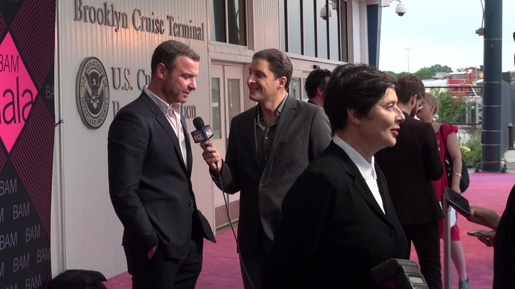 Liev Schreiber and Isabella Rossellini attends the BAM Gala 2018 at Brooklyn Cruise Terminal in New York.mp4