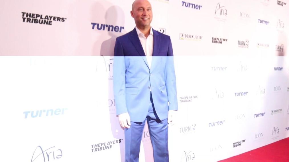 Derek Jeter attends the 2018 Derek Jeter Celebrity Invitational Gala at the Aria Resort & Casino in Las Vegas.mp4