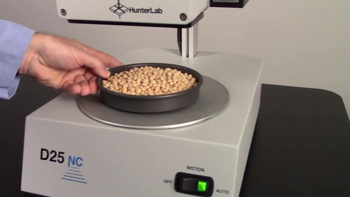 Measuring the color of soybeans