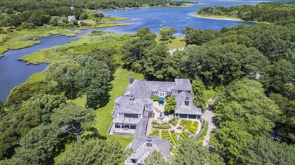 27 Major's Cove Lane, Edgartown, MA