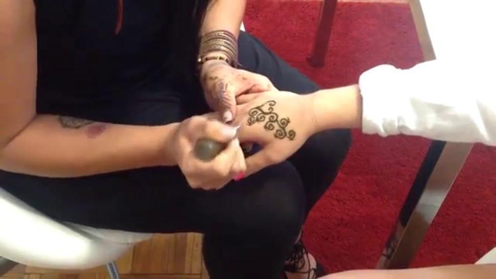 Angel Doing Henna Tattoos!.mp4