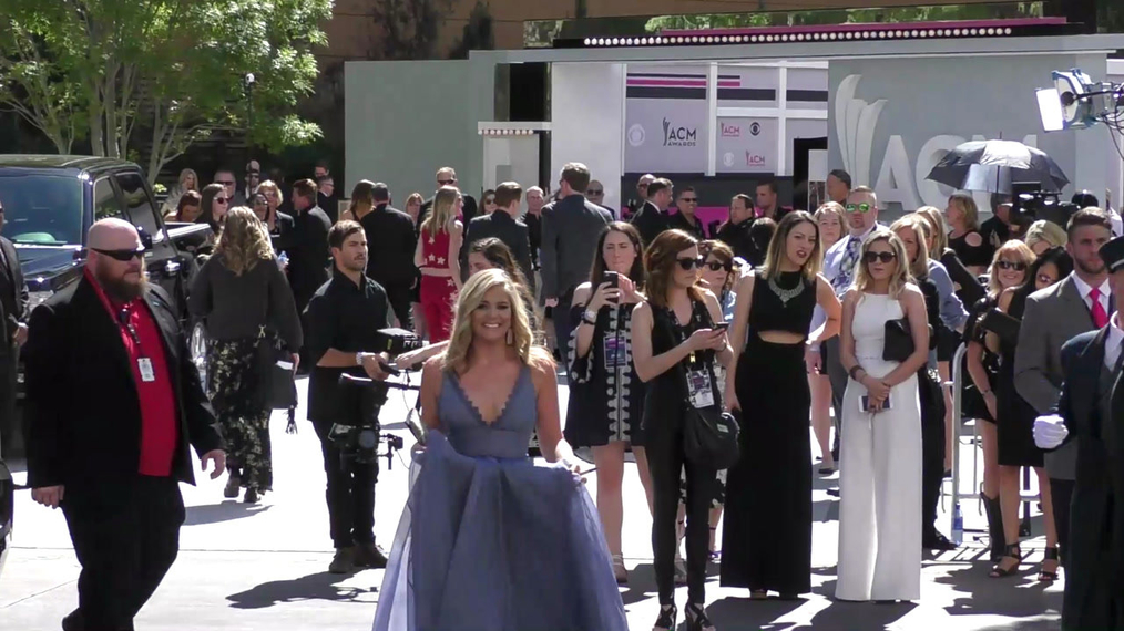 Lauren Alaina arriving to the 52nd Academy Of Country Music Awards at T-Mobile Arena in Las Vegas.mp4