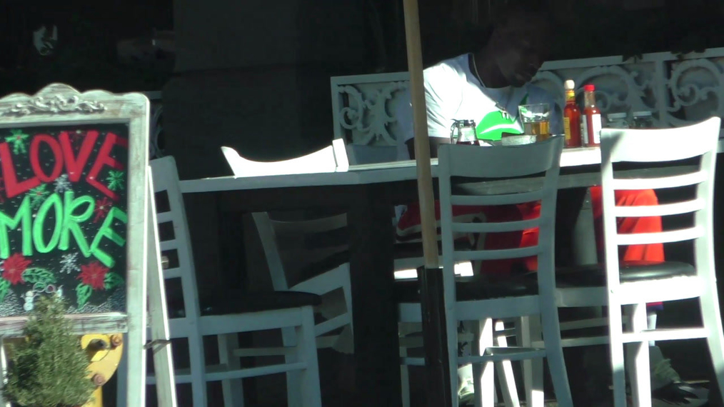 Chad Johnson lunches solo in Los Angeles.mp4