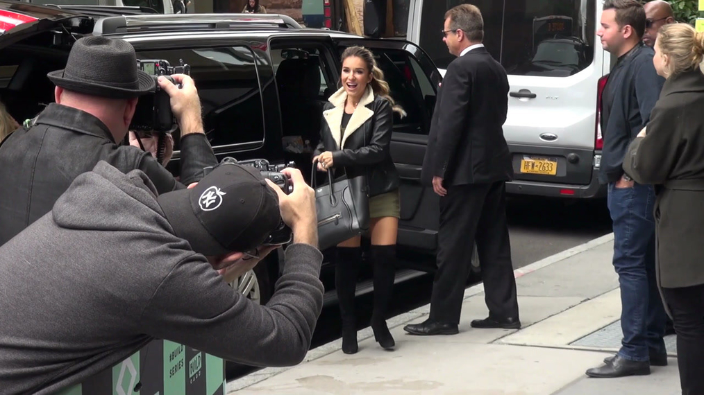 Jessie James Decker outside the BUILD Series in New York.mp4