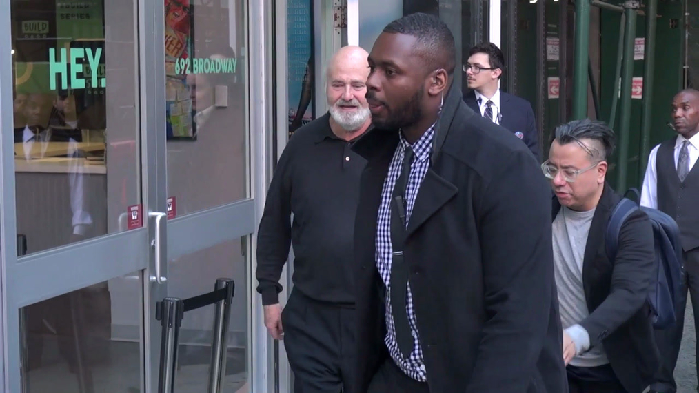 Rob Reiner and Woody Harrelson outside the BUILD Series in New York.mp4