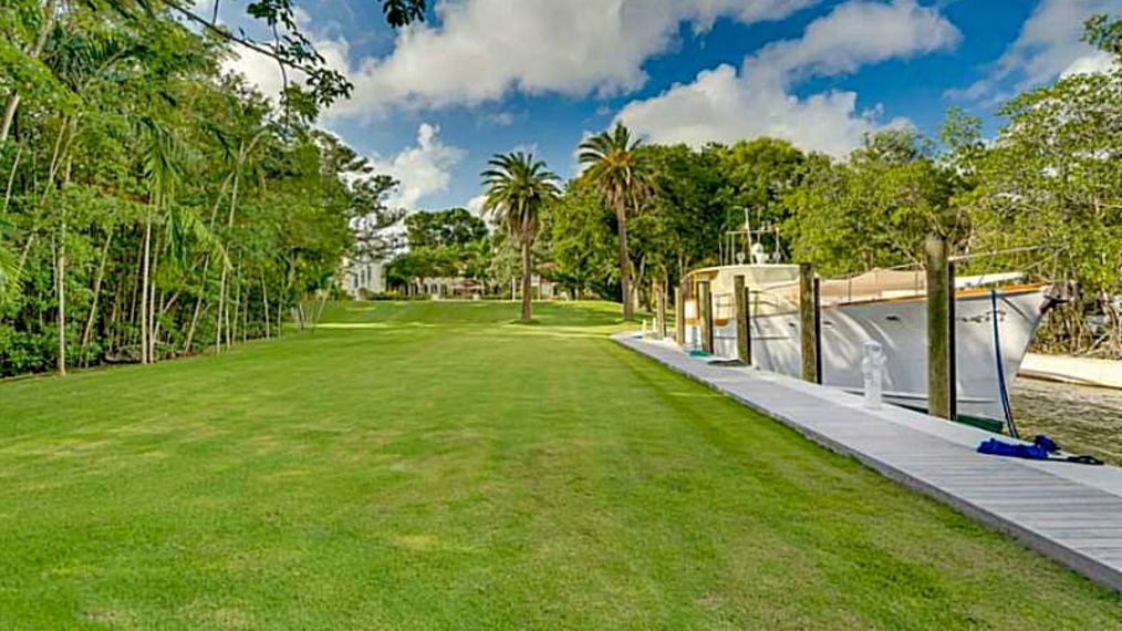 Estate in Miami next to the Iconic Downtown Coconut Grove