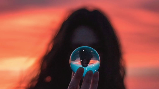 Play in the crystal ball